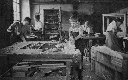 Atelier-ecole-menuiserie__Allemagne__1927.jpg
