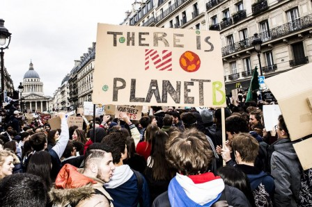 Marche_pour_le_climat__There_is_no_planet__Paris__Credit_Castanier_et_Lucas__pour_Liberation.jpg